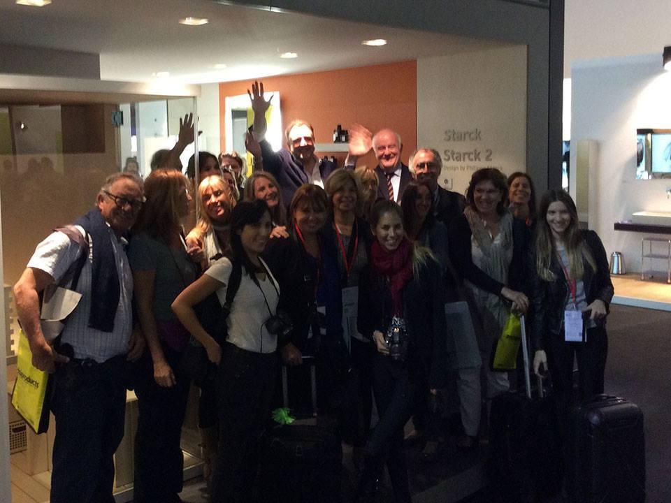 Посетители и представители выставочного стенда Duravit 2014 в Милане