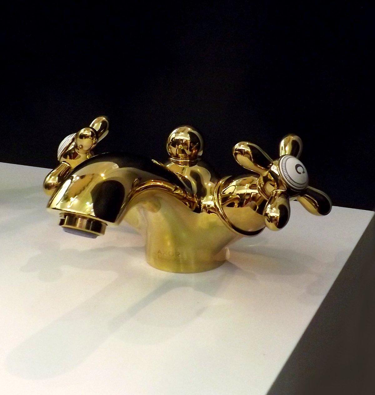 Cмеситель 2-рукояточный от Hansgrohe на выставке MosBuild 2013