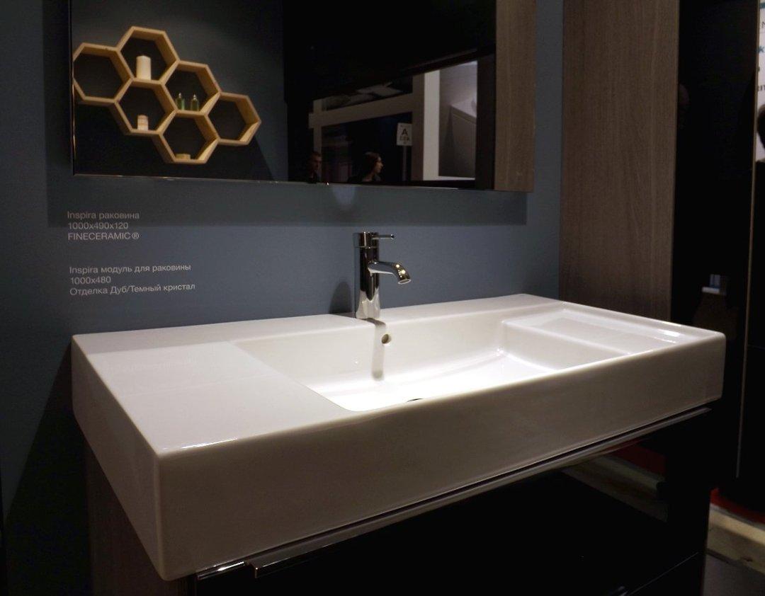 Раковина из материала FINECERAMIC в формате SQUARE для модуля из коллекции INSPIRA от Roca, представленная на выставке MosBuild 2016