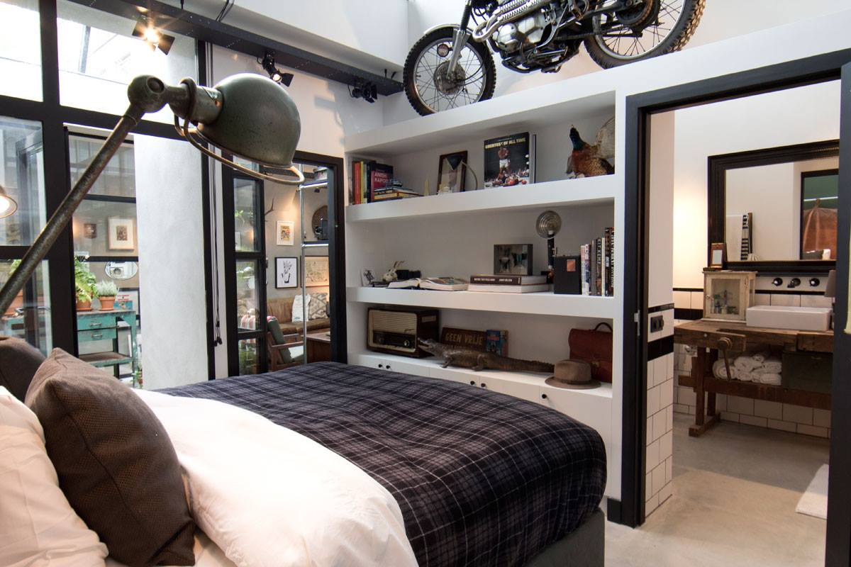 Интерьер дома-гаража, в котором для оборудования санузла использована раковина Duravit VERO. Вид В