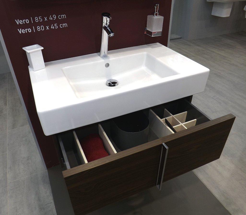 Мебель и санкерамика для ванной из коллекции Duravit VERO на выставке MosBuild 2014 - вид Ж