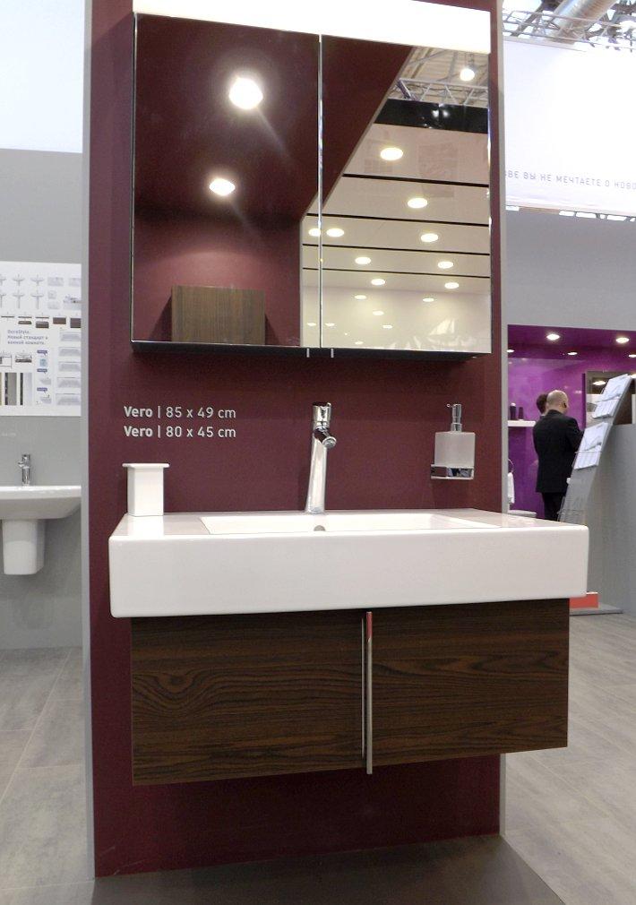 Мебель и санкерамика для ванной из коллекции Duravit VERO на выставке MosBuild 2014 - вид Ё