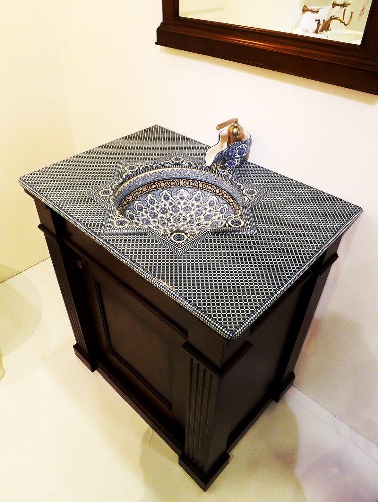 Керамическая раковина со столешницей и смесителем Marrakesh от Kohler на выставке МосБилд 2014