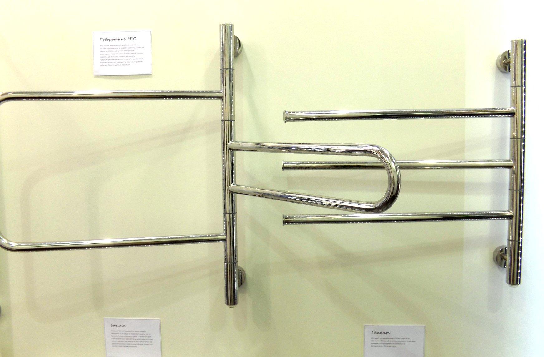 Поворотные электрические полотенцесушители «Компакт» и «Триада» (слева направо) от «Сунержа» на международной строительной выставке «МосБилд 2016»