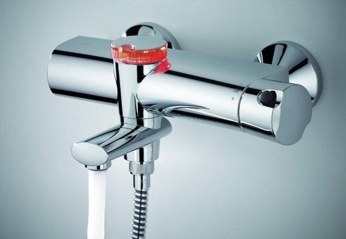 Смеситель для ванны Oras ETERNA 6375U. Красное свечение EcoLed-кнопки
