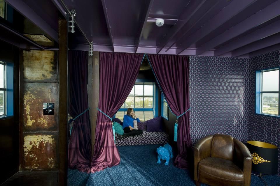 Интерьер гостиницы Faralda NDSM Crane Hotel