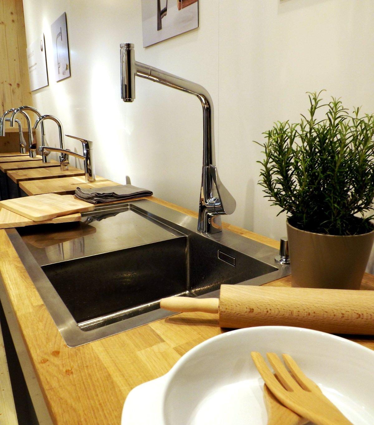 Кухонный смеситель из коллекции Hansgrohe METRIS на выставке МосБилд-2015