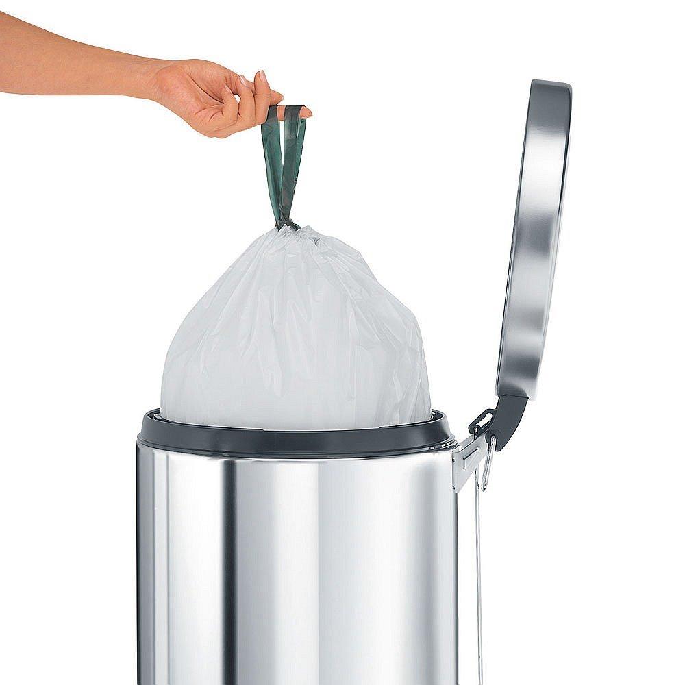 Извлечение мешка с отходами из мусорного бака от Brabantia