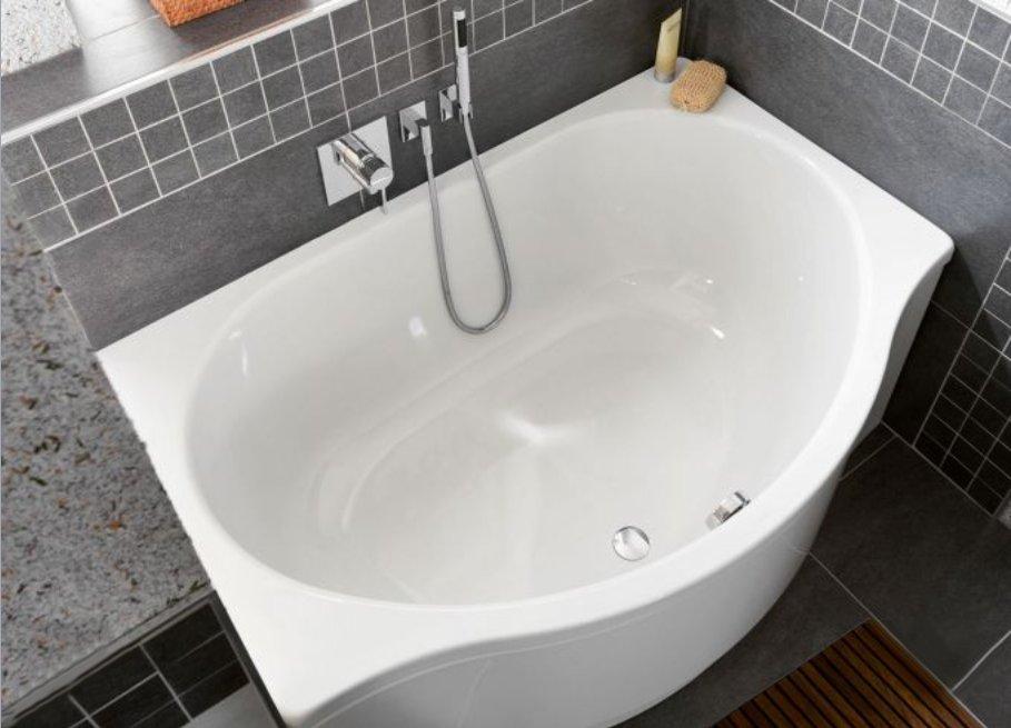 Как маленькие ванные комнаты могут выглядеть большими. Ванну можно покороче, но поглубже