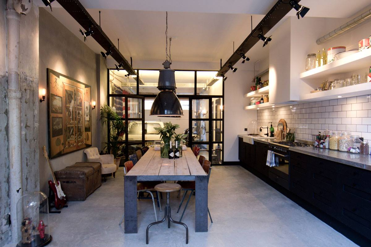 Интерьер дома-гаража, в котором для оборудования санузла использована раковина Duravit VERO. Вид Д