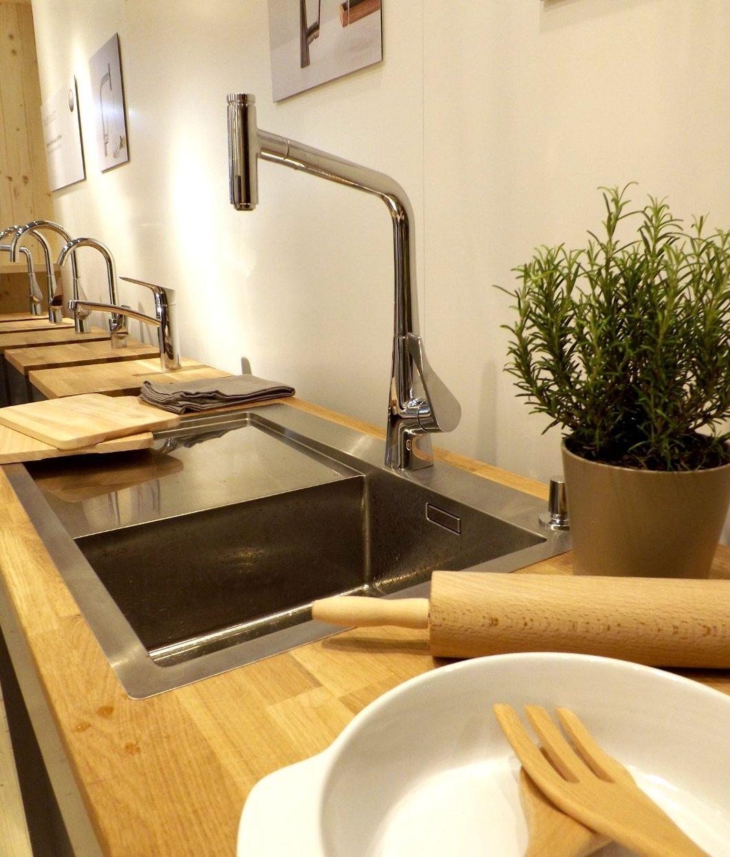 Кухонные смесители из ассортимента Hansgrohe, представленного на одной из выставок MosBuild