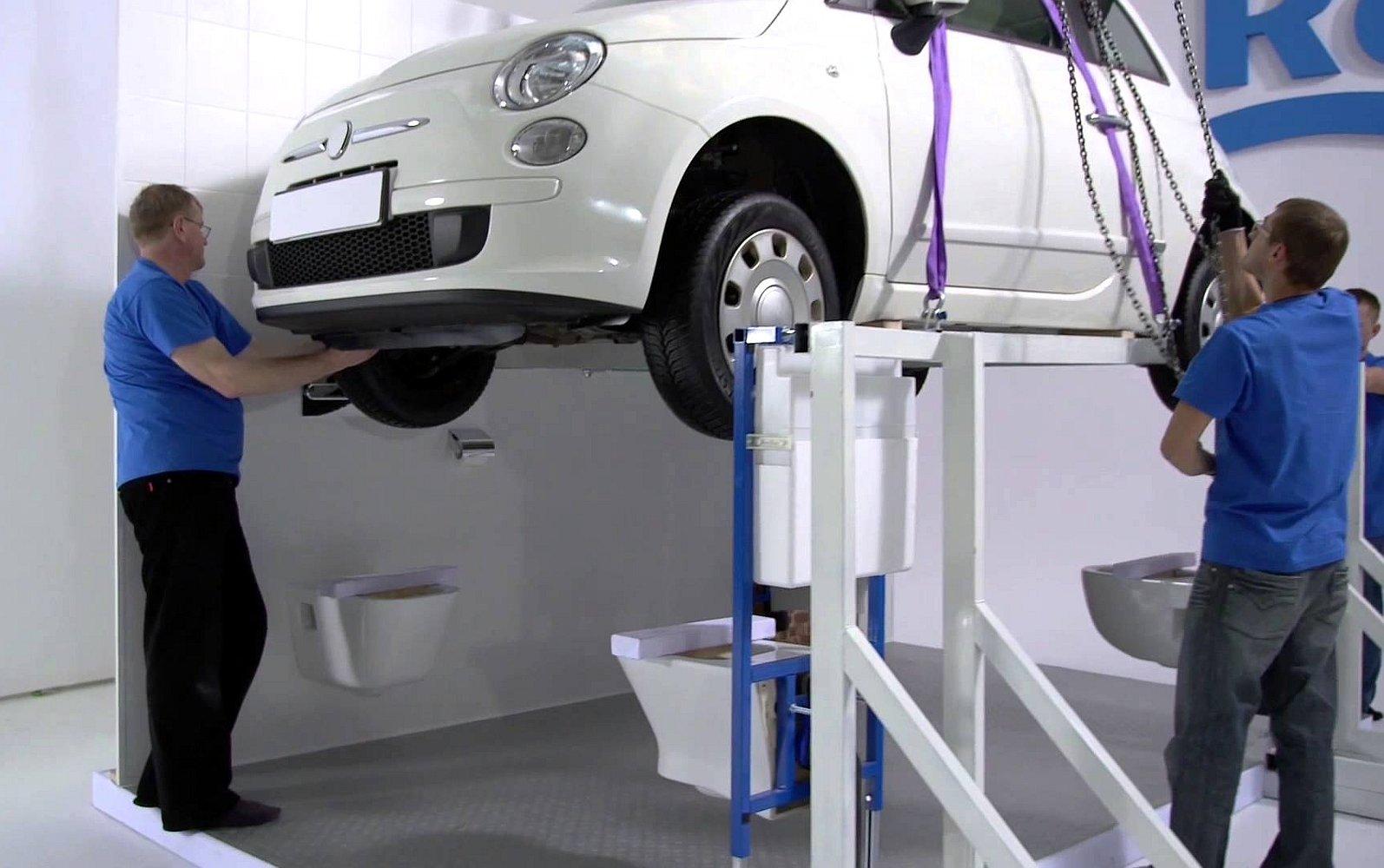 Демонстрация надёжности подвесных унитазов и систем инсталляции Roca