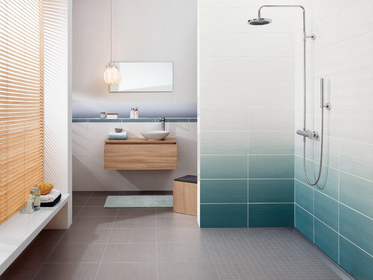 Плитка с градиентными переходами цветов от белого к какому-нибудь натуральному пастельному в 2014 году будет делать интерьер ванной комнаты моднее
