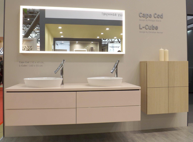 Мебель для ванной и зеркало L-Cube с раковинами-чашами Cape Cod от Duravit на выставке МосБилд 2015. Вид А