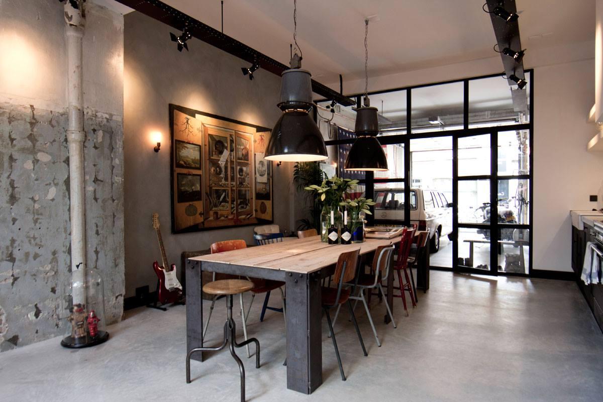 Интерьер дома-гаража, в котором для оборудования санузла использована раковина Duravit VERO. Вид Г