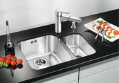 Кухонная мойка основная чаша слева, без крыла, с клапаном-автоматом, нержавеющая сталь полированная Blanco Ypsilon 550-U 518212
