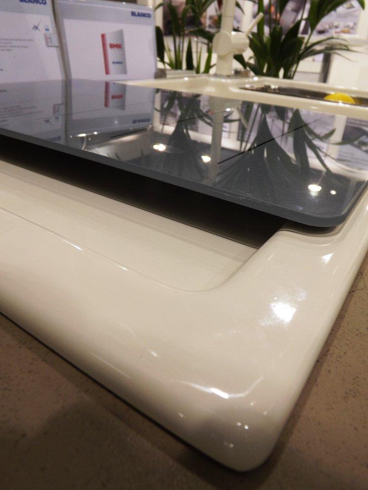 Кухонная мойка AXON 6 S и смеситель LINUS-S. Вид В