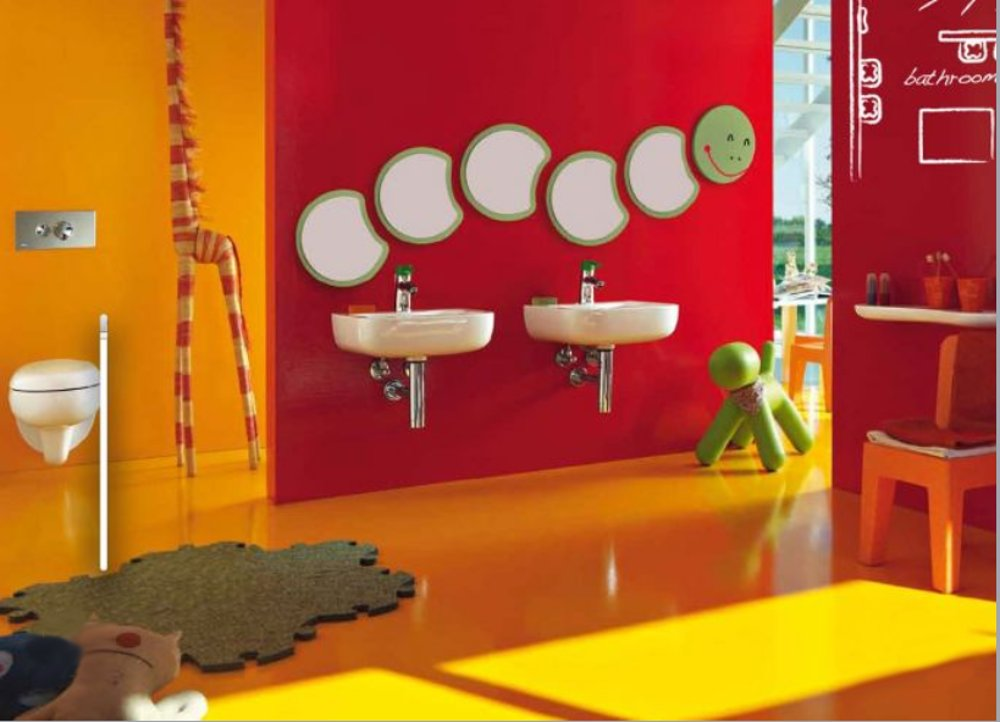 Детская санкерамика и мебель для ванной на рекламной иллюстрации серии Florakids от Laufen