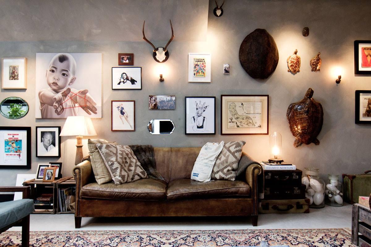 Интерьер дома-гаража, в котором для оборудования санузла использована раковина Duravit VERO. Вид А
