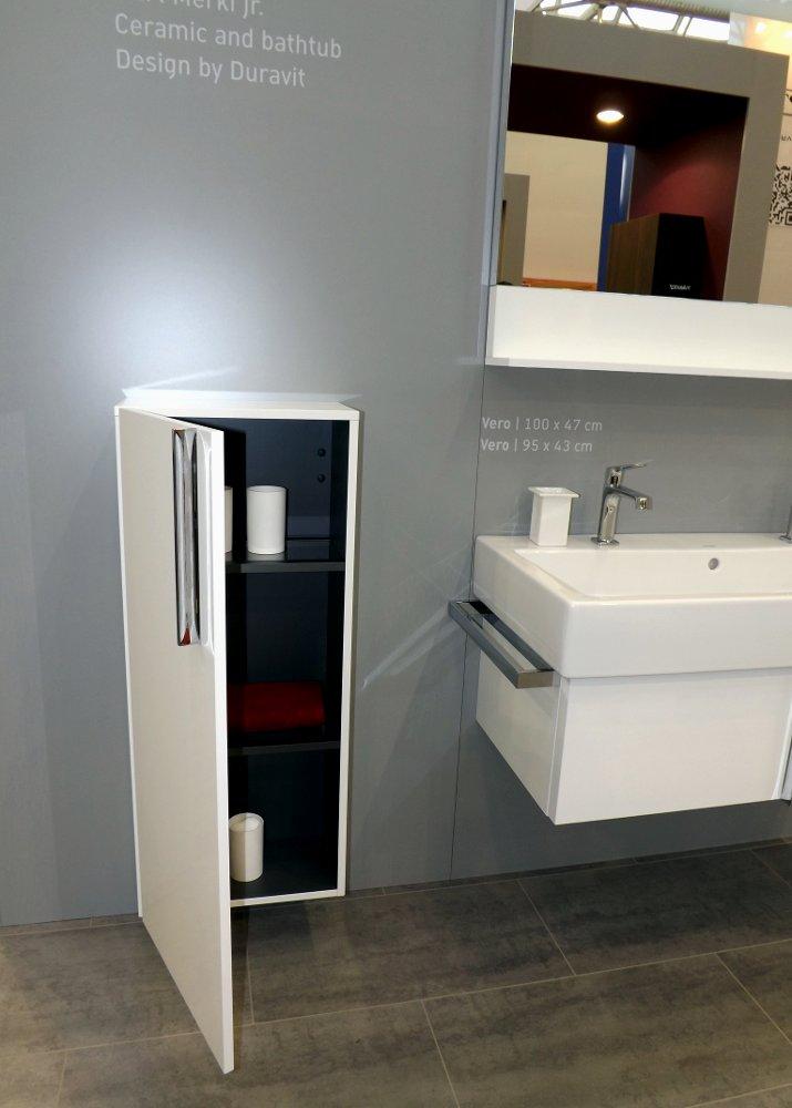 Мебель и санкерамика для ванной из коллекции Duravit VERO на выставке MosBuild 2014 - вид Б