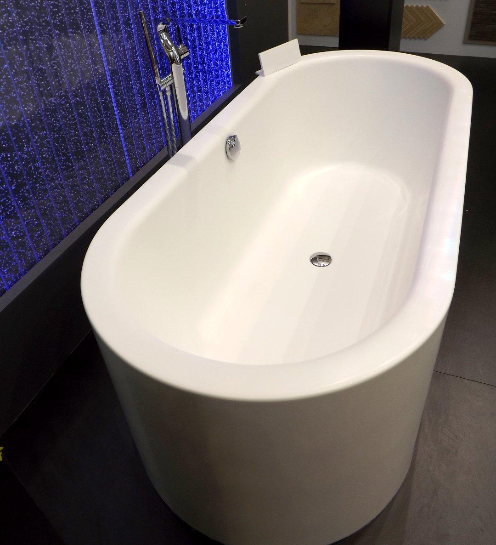 Ванна с фартуком (цельная конструкция) на международной строительной выставке «МосБилд»