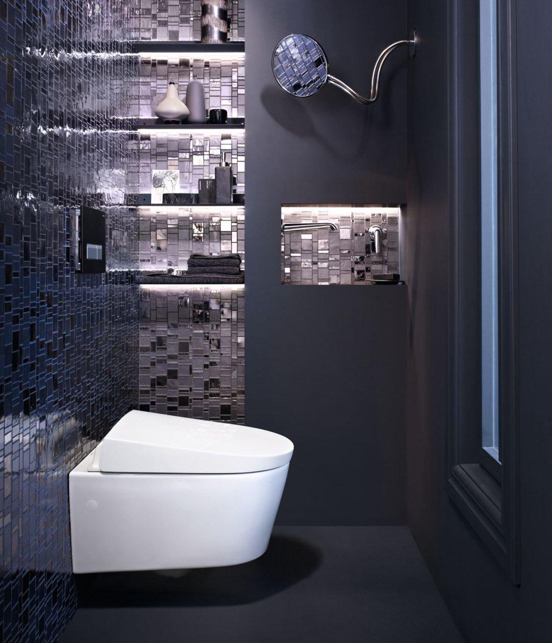 Подвесной унитаз-биде Geberit AquaClean Sela в интерьере ванной комнаты