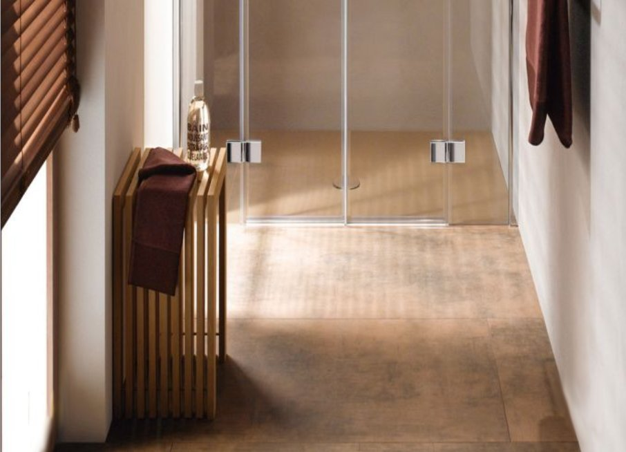 Как маленькие ванные комнаты могут выглядеть большими. Однотонные уровни изменяют восприятие