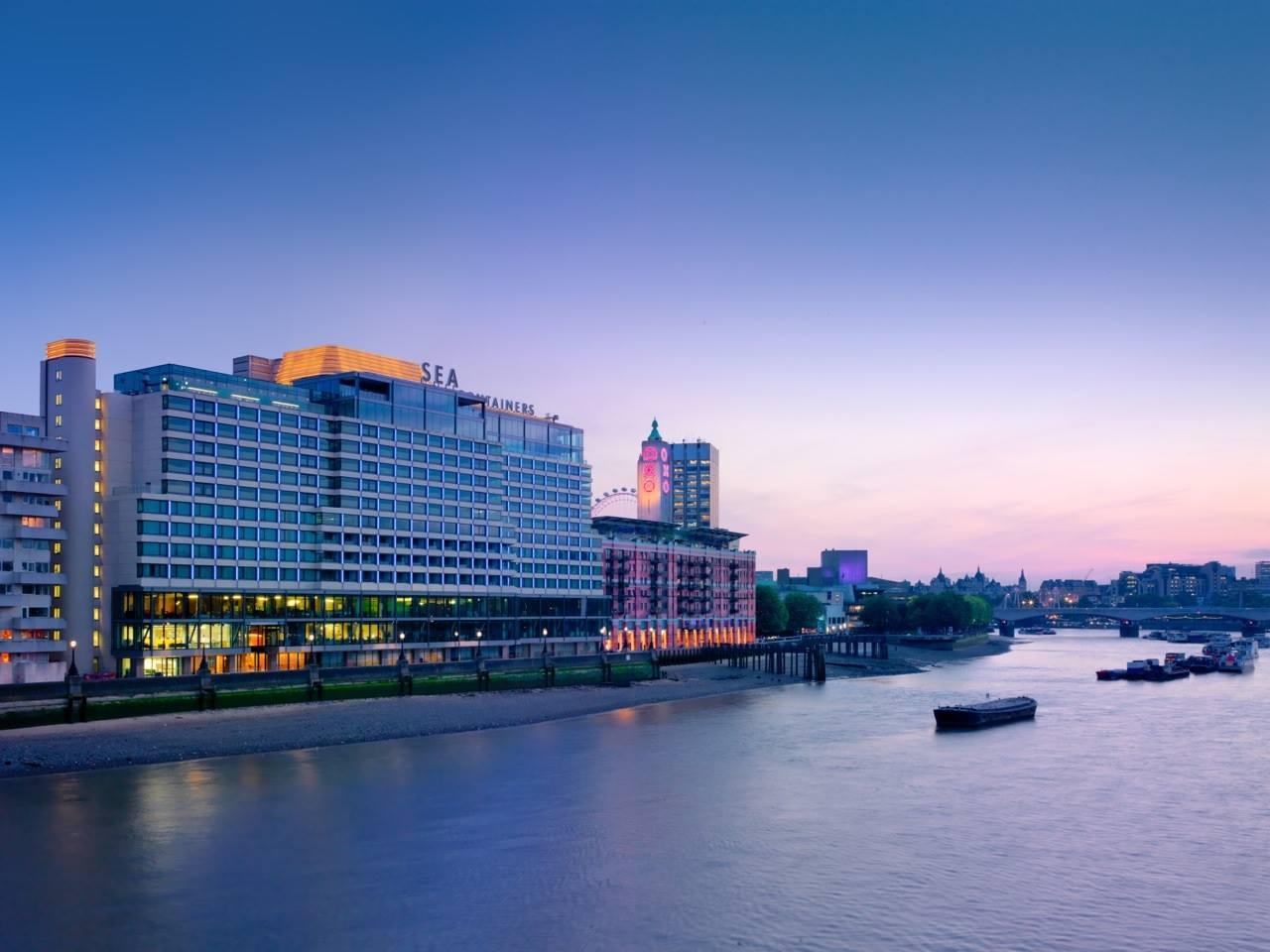 Вид гостиницы Mondrian London at Sea Containers