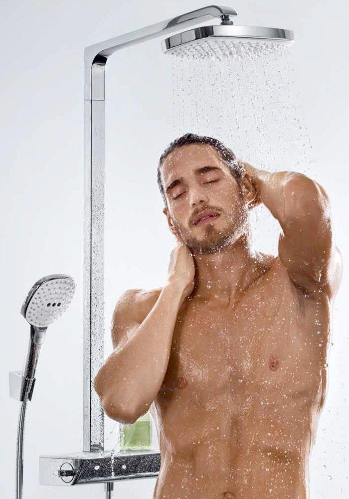 Картинки парень под душем