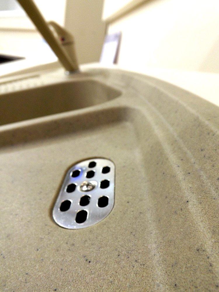 Кухонная мойка Blanco LEGRA 9E из материала PROGRANIT на выставке МЕБЕЛЬ-2013 - фрагмент