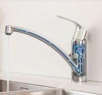 Иллюстрация прохождения воды через кухонный смеситель серии Grohe EUROSMART из модельного ряда 2015 года