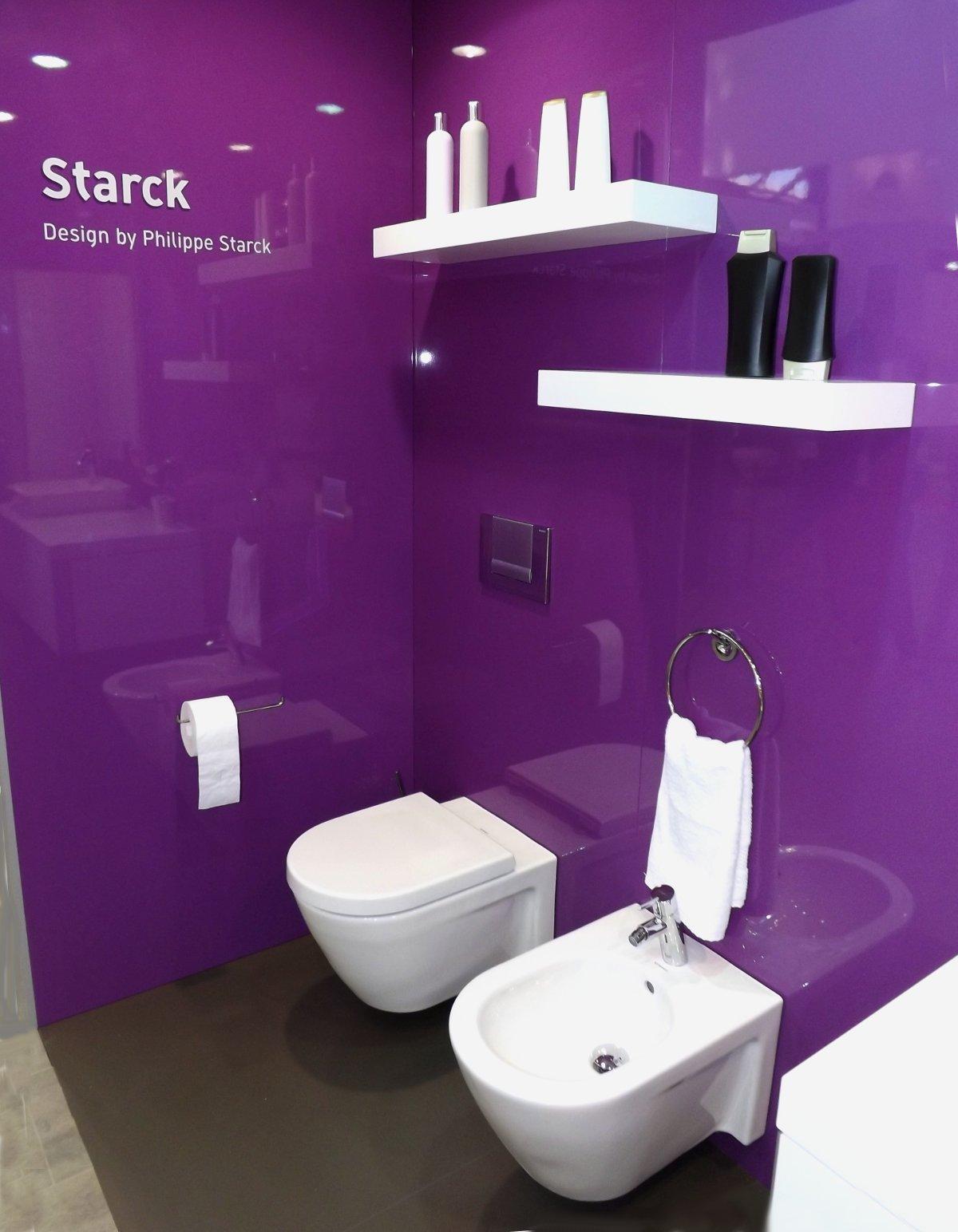 Экспозиция коллекции сантехники и мебели для ванной комнаты Duravit STARCK на выставке МосБилд-2014