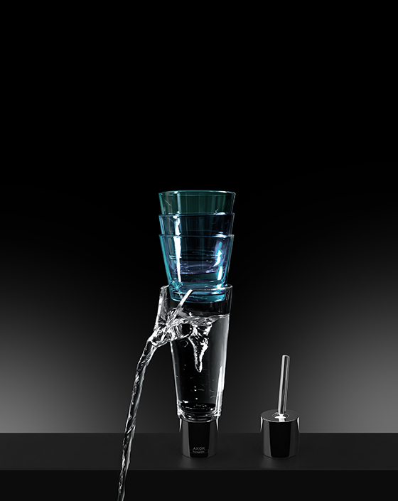Смеситель Glass, созданный на основе AXOR U-Base по проекту Джордана Вернета для AXOR WaterDream 2015