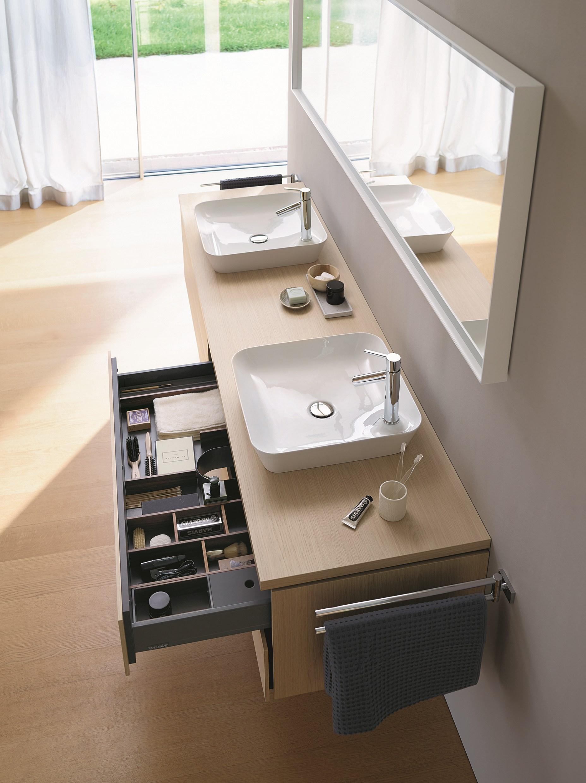 Тумба для 2-х раковин из коллекции мебели для ванной L-Cube от Duravit 2015. С открытым ящиком