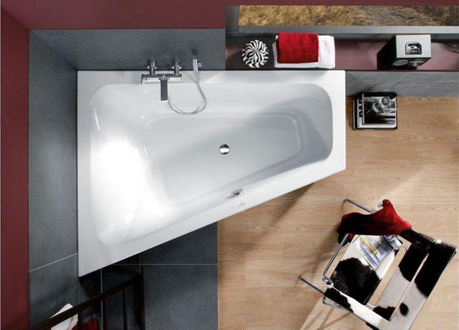 Как маленькие ванные комнаты могут выглядеть большими. Ванна в форме трапеции может быть двухместной